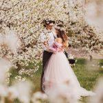 Miłość wśród kwitnących jabłoni